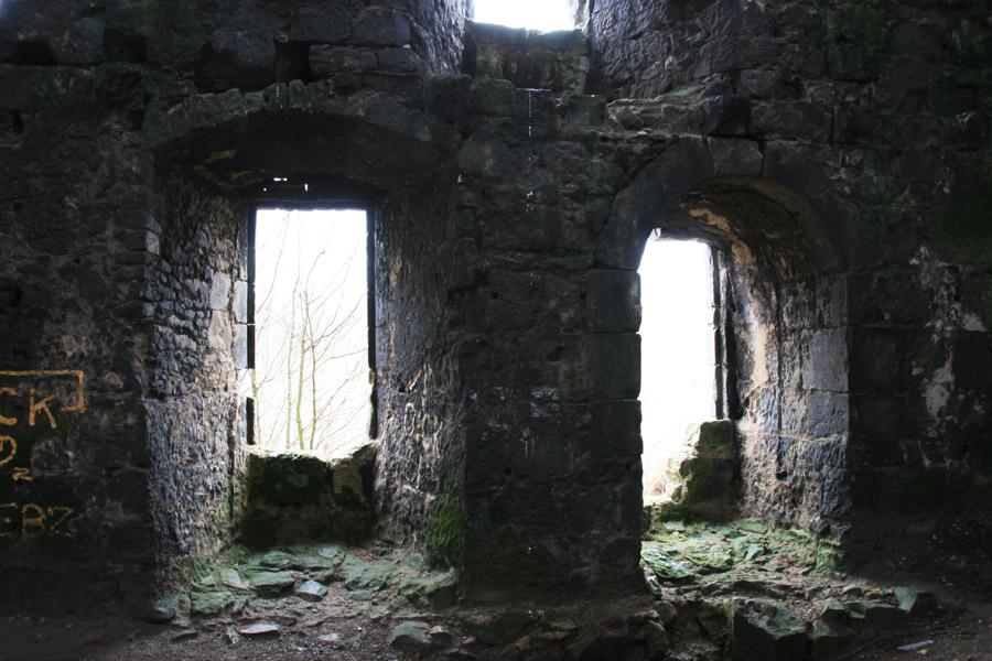 Castle Stone Floor : Almond castle in muiravonside stirlingshire