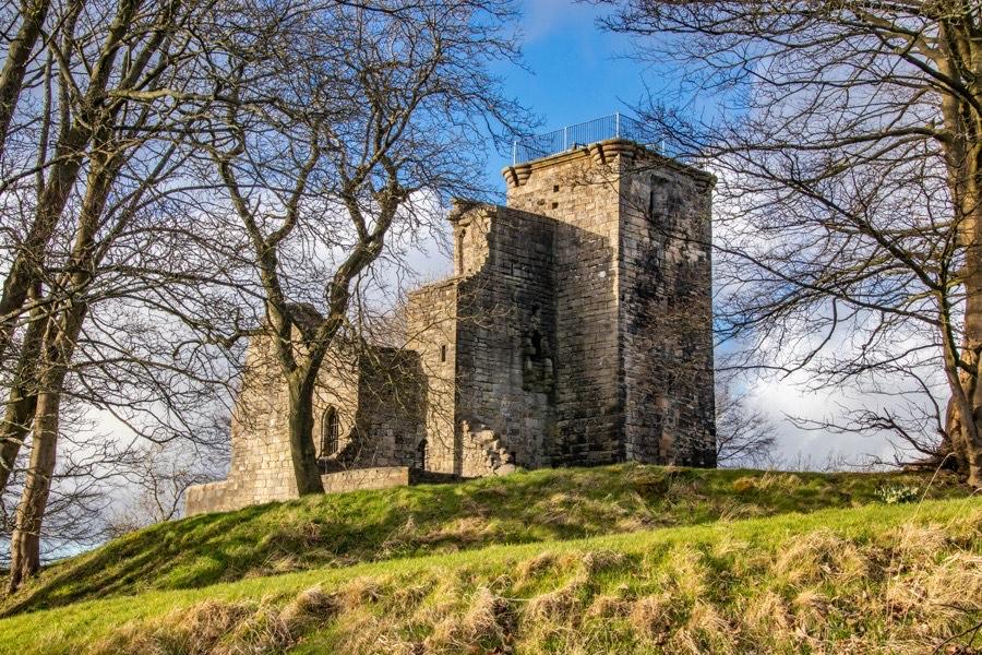 Crookston Castle