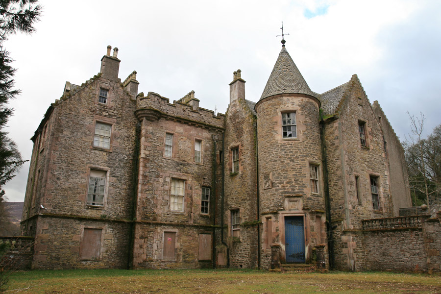 castles for sale in scotland